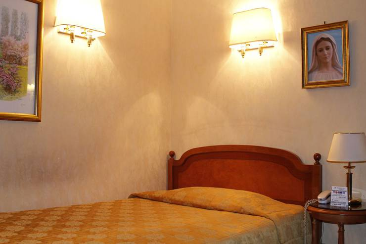 Single room pace helvezia hotel rome